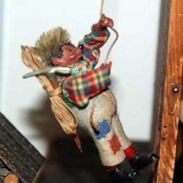 Mecki Klättrare med rep och hacka