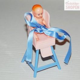 Barn matstol i plast med docka